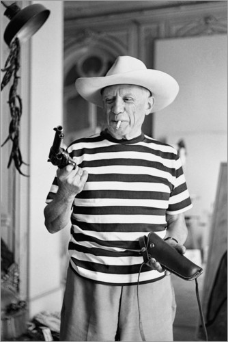Premium poster Picasso with a revolver