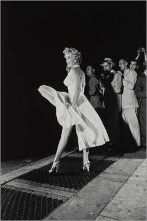 Premium poster Marilyn in an airy dress