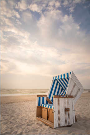 Premium poster  Sylter beach chair in the soft evening light - Christian Müringer