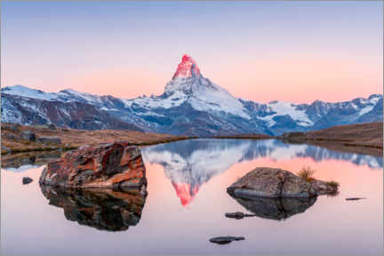 Wood print  Sunrise on the Matterhorn with alpenglow - Marcel Gross
