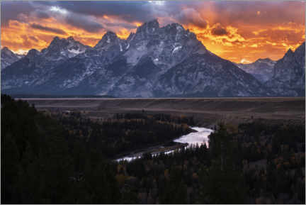 Premium poster Sunset over imposing mountains in America