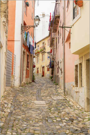 Premium poster  Narrow streets in the old town of Lisbon