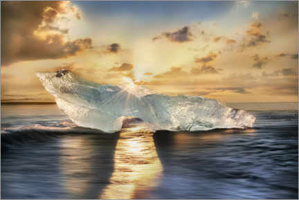 Wall sticker  Shining iceberg on the island of Iceland in the sunlight - Mandfred Voss