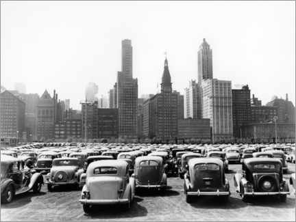 Canvas print  Classic cars in front of the Chicago skyline