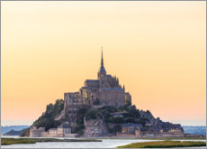 Premium poster Mont-Saint-Michel in the sunrise