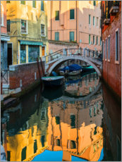 Premium poster Colorful alleys of Venice