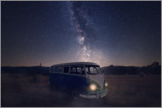 Acrylic print  Milky way and an old bus on a field - Oliver Henze