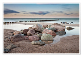 Premium poster  Stones and groynes on shore of the Baltic Sea. - Rico Ködder