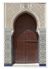 Premium poster Wooden door in decorated archway