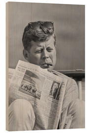 Wood print  John F. Kennedy with a newspaper - John Parrot