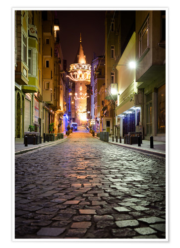 Premium poster The famous Galata-Tower at night (Istanbul/Turkey)