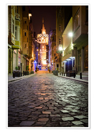 Premium poster  The famous Galata-Tower at night (Istanbul/Turkey) - gn fotografie