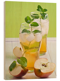 Wood  Apple juice with fresh mint - Edith Albuschat