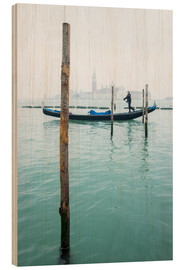 Wood print  Gondolier with his gondola on the water in Venice in fog - Jan Christopher Becke
