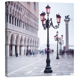 Canvas  St. Mark's Square in Venice in Winter - Jan Christopher Becke