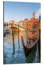 Aluminium print  Gondola at Rialto bridge - Matteo Colombo