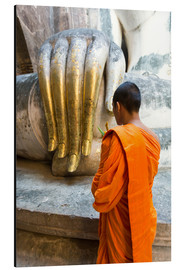 Aluminium print  Monk praying in front of Buddha Hand - Matteo Colombo