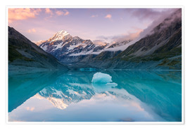 Premium poster  Glacial lake at Mt Cook, New Zealand - Matteo Colombo