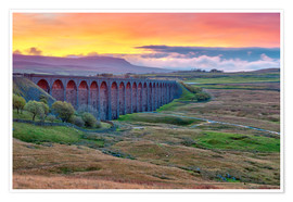 Premium poster Pen-y-ghent and Ribblehead Viaduct on Settle to Carlisle Railway, Yorkshire Dales National Park, Nor