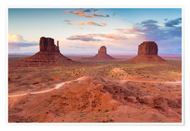 Premium poster  Monument Valley at dusk - Chris Hepburn