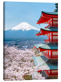 Canvas  Chureito Pagoda with Fuji and cherry blossoms - Jan Christopher Becke