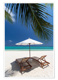 Premium poster  Lounge chairs on tropical beach - Sakis Papadopoulos