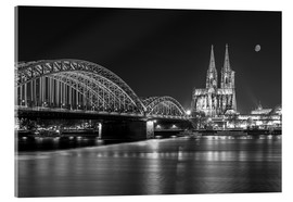 rclassen - Cologne Cathedral and Hohenzollern Bridge at night (b / w)