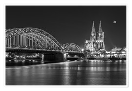 Premium poster Cologne Cathedral and Hohenzollern Bridge at night (b / w)