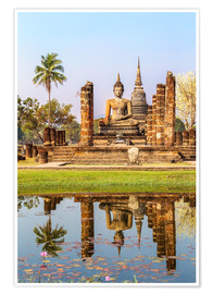 Premium poster  Wat Mahathat buddhist temple reflected in pond, Sukhothai, Thailand - Matteo Colombo