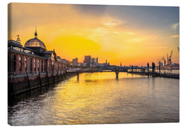 Canvas  Hamburg - historic fish market at dawn