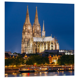 Forex  Night view of Cologne Cathedral