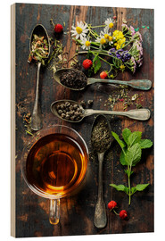 Wood  Tea with honey, wild berries and flowers