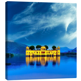 Canvas print  Indian water palace on Jal Mahal lake at night time in Jaipur, India