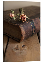Canvas print  Dry rose and old book - Jaroslaw Blaminsky