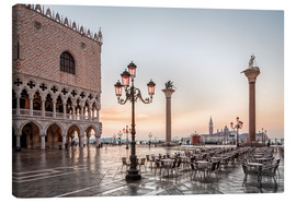 Canvas print  St. Mark's square in Venice during sunrise - Dieter Meyrl