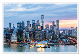 Premium poster  Freedom tower and lower Manhattan skyline at dusk, New York, USA - Matteo Colombo