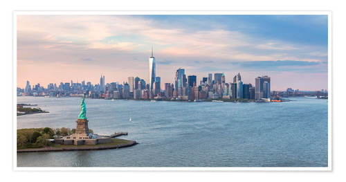 Premium poster New York skyline with Statue of Liberty