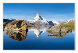 Premium poster  Stellisee and Matterhorn in the Swiss Alps in summer - Jan Christopher Becke