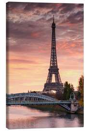 Canvas  River Seine and Eiffel tower at sunrise, Paris, France - Matteo Colombo