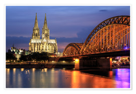 Premium poster  Cologne Cathedral and Hohenzollern Bridge at night - Oliver Henze