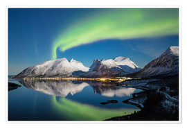 Premium poster  Northern lights and stars light up snowy peaks - Roberto Moiola