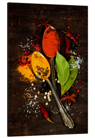 Alu-Dibond  Bright spices on an old wooden board