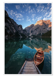 Premium poster  Early morning on Lake Braies / Lago di Braies - MUXPIX