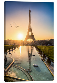 Canvas print  Romantic sunrise at the Eiffel Tower in Paris, France - Jan Christopher Becke