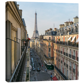 Canvas  Historic house facades and Eiffel Tower in Paris, France - Jan Christopher Becke