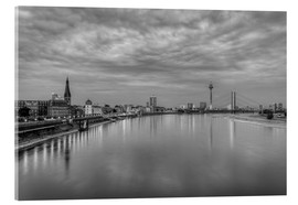 Acrylic print  Düsseldorf skyline in the evening in black and white - Michael Valjak
