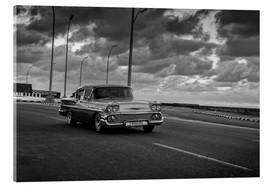 Acrylic print  Classic Cuban Car in black and white - Alex Saberi
