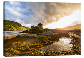 Canvas print  Eilean Donan Castle in the Highlands, Scotland - Dieterich Fotografie