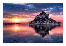 Premium poster  Le Mont-Saint-Michel at sunset