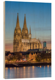 Wood print  The Cologne Cathedral in the evening - Michael Valjak